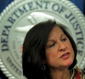 Fiscal Carmen Ortiz ,  responsable de persecuciones judiciales en USA.