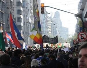 """Quinta marcha en """"Defensa del Agua, la Tierra y los Bienes Naturales""""."""