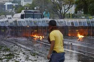 Marcha pacífica de la oposición en-venezuela-1847560w300